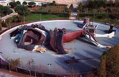 Gulliver Park, Valencia - Playground for children Great Places, Places Ive Been, Valencia Spain, Spain Travel, Playground, River, Children, Statues, Parks