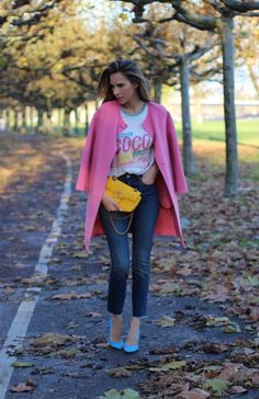 COCO CUBA – COCO everywhere! As you might have noticed Coco Chanel is one of my favorite brands. It is historical, fashionable and chic like no other. Rockstud Pumps, Gg Marmont, Chanel, Cashmere Coat, Female Art, Mini Bag, Duster Coat, Chic, Model