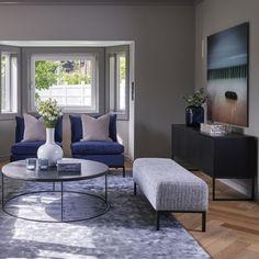 Harrison Skjenk - 3 dører - Sort Showroom, Accent Chairs, Lights, Furniture, Home Decor, Modern, Dresser, Upholstered Chairs, Lighting