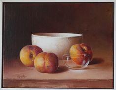 3 Pfirsiche m. weisser Tonschale und Glas 35 x 27