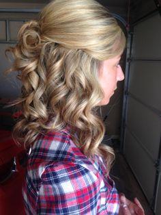 prom hair. half up half down, hairstyles, prom hair half up half down