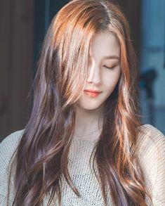 Sana - Twice Nancy Momoland, Nancy Jewel Mcdonie, Ullzang Girls, Kpop Girls, Cute Girls, Korean Beauty, Asian Beauty, Sana Cute, Sana Minatozaki