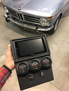 Bmw 2002, Carros Suzuki, Bmw Electric Car, Custom Consoles, Bmw Classic Cars, Beach Buggy, Best Muscle Cars, Bmw Cars, Car Parts