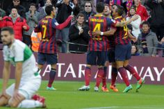 Los azulgrana celebran el primer gol, obra de Alexis