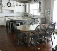 37 Trendy Kitchen Table And Chairs Makeover Wood Furniture Oak Table And Chairs, Kitchen Table Chairs, Kitchen Table Makeover, Farmhouse Kitchen Tables, Wood Table, Dining Room Table, Farmhouse Windows, Farmhouse Kitchens, Room Chairs