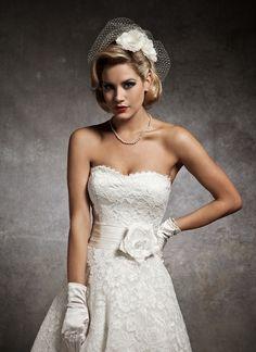 http://www.weddingandbridaldresses.co.uk/wp-content/uploads/2012/04/Justin-Alexander-8632-a.jpg