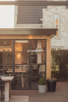 2 Kitchens And Bedrooms, Modern Farmhouse Exterior, Grand Designs, Garden Design, Kitchen Design, Pergola, Patio, Inspiration, Outdoor Decor