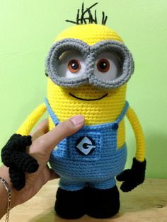 Crochet minion adorable! Free pattern