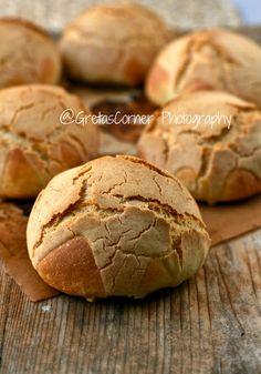 Ovvia li voglio provare anche io questi Dutch Crunch Bread che spopolano sui blog americani! Il loro aspetto rustico mi ispira molto.