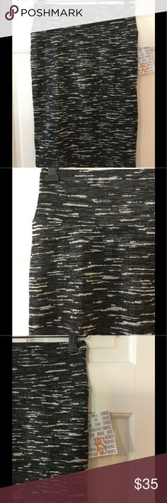 "🆕 LuLaRoe Cassie Skirt 97% polyester, 3% spandex. Machine wash.  Waist across 13"". Length 22.5"".  Brand new with tag.  Smoke free and pet free. LuLaRoe Skirts Pencil"