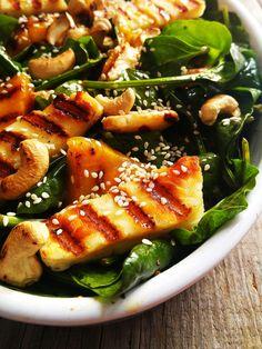 Sałatka z grillowanym halloumi i mango Halloumi, Seaweed Salad, Love Food, Recipies, Mango, Food And Drink, Yummy Food, Lunch, Healthy Recipes