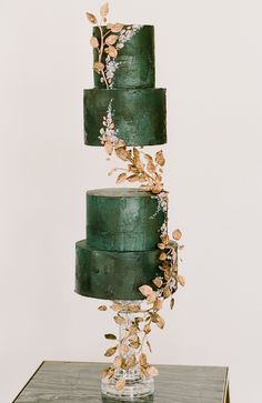 Modern Chinoiserie Inspired Wedding Cake Kelli Durham Photography Two Be Wed Flower Vibes Berings Dreams and Nostalgia The Princess Bridal Etoilly Artistry Shelby. Beautiful Wedding Cakes, Gorgeous Cakes, Pretty Cakes, Perfect Wedding, Modern Wedding Cakes, Modern Cakes, Chinoiserie, Durham, Bolo Cake