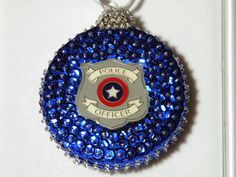 Last Trending Get all images police christmas decorations Viral ef ca c bf a dca Police Family, Police Life, Police Humor, Police Officer, Christmas Bulbs, Christmas Decorations, Christmas 2019, Sequin Ornaments, Female Cop