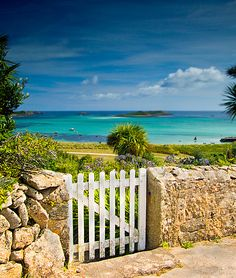 "The Isles of Scilly, The GREAT Britain Travel Bucket List | via It's Travel O'Clock Read about Isles of Scilly in ""The Hawley Book of the Dead"""