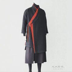 black and red jacket Fashion 2017, Runway Fashion, Mens Fashion, Mens Kimono Shirt, Korean Dress, Studio 54, Inspiration Mode, Fashion Project, Costume Design