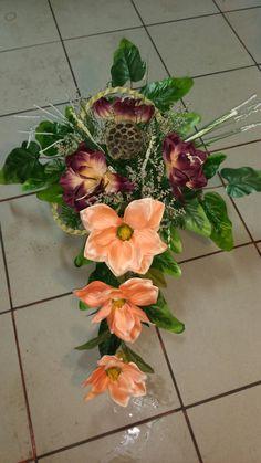 Cemetery Flowers, Aluminum Cans, Ikebana, Funeral, Floral Arrangements, Floral Wreath, Wreaths, Art, Flower Arrangements