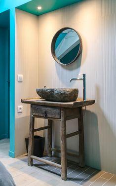 Rustic Bathrooms, Tiny Bathrooms, Bathroom Interior Design, Kitchen Interior, Diy Home Decor, Room Decor, Wash Stand, Decorating Bookshelves, Woodworking Bed