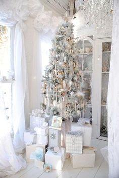 VINTAGE CHRISTMAS DECORATING IDEAS   50 White Vintage Christmas Ideas for Decorating   Christmas