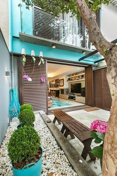 View full picture gallery of Itaim Vila House Exterior Design, Interior And Exterior, Villa, Narrow House, Facade House, Tropical Houses, Minimalist Home, Cozy House, My Dream Home