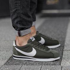 The Nike Classic Cortez Nylon Unisex Shoe updates the running original with premium leather overlays on a classic low profile for a comfortable fit and clean, minimalist look. Rubber with herringbone pattern for durable traction. | eBay!