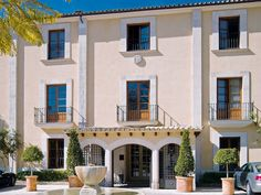 We offer you our long life experience of staying on the island of Mallorca, we will arrange your stay to fit you perfectly and manage all neccessary services at your convinience. Kitesurfing, Island, Boutique, Mansions, House Styles, Majorca, Manor Houses, Villas, Islands