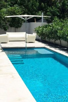 Got a small backyard? Make a small backyard pools that fits the size and dimensions of your backyard and cool. The best Small Inground Pool Ideas are . Small Backyard Design, Small Backyard Pools, Backyard Pool Landscaping, Backyard Pool Designs, Landscaping Ideas, Pool Fence, Backyard Ideas, Small Patio, Patio Ideas