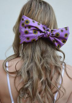 "Glitz and Grammar blog post: 4 cute ways to wear your bandana. ""Bow down"""