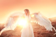 Do You Believe In Angels? These Are The Signs That Can Show You if An Angel is in your Presence! Photo Ange, Intuition, Live Moving Wallpaper, Positive Inspiration, Spiritual Gifts, Do You Believe, Best Blogs, Sunset Photos, Celestial