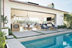 """Amazing indoor outdoor living… """"A Corona del Mar home on a spectacular plot with views of Catalina combines modern elements with…"""" Source by . Modern Outdoor Living, Outdoor Living Rooms, Outdoor Spaces, Indoor Outdoor Kitchen, Modern Pool House, Modern Pools, Small Pool Houses, Living Pool, Home Living"""