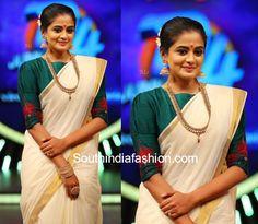 Priyamani dance show Kasavu saree with green boat neck blouse Onam Saree, Kerala Saree, India Fashion, Daily Fashion, Set Saree, Salwar Dress, Gown Pattern, Indian Fashion Designers, Indian Attire