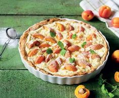 Meruňkový koláč s tvarohem | Recepty Albert Apple Pie, Sweets, Baking, Food, Recipes, Apple Cobbler, Good Stocking Stuffers, Candy, Bakken
