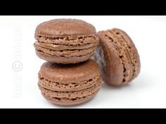 Macarons cu ciocolata reteta video - JamilaCuisine Gluten Free Desserts, Cookie Desserts, Sweets Recipes, Chocolate Macaroons, Romanian Food, Romanian Recipes, Eat Dessert First, Recipe For 4, Something Sweet