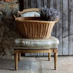 French Vintage and Lifestyle Essentials French Country Cottage, French Country Style, Shabby Cottage, French Countryside, French Chic, French Vintage, Vintage Soul, French Blue, Weavers Art