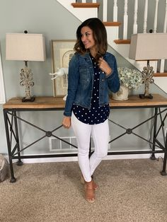 Spring / Summer Outfits 42 Casual Spring Outfits To Wear Now Who wears thigh high boots? Spring Work Outfits, Casual Work Outfits, Business Casual Outfits, Work Casual, Fall Outfits, White Pants Outfit Spring Work, Comfy Casual, Mom Outfits, Casual Tops