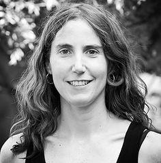 Diana Huneeus: Psicóloga infantil y de adultos titulada de la Universidad de Santiago. Trabaja la línea Antroposófica, desarrollando consulta clínica y talleres terapéuticos de Manualidades.