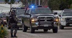 Tüm polis memurlarının tamamı gözaltına alındı  http://www.hukukveekonomi.com/tum-polis-memurlarinin-tamami-gozaltina-alindi/