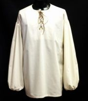 Early Middle Ages-- Chemise or Camisa—A loose-fitting linen undergarment with sleeves for both men and women worn next to the body. Women's were similar to men's but cut a little longer. Also called a shirt. Renaissance Shirt, Renaissance Clothing, Historical Clothing, Larp, Medieval Dress Pattern, Poet Shirt, Sewing Men, Pirate Shirts, Herren Style