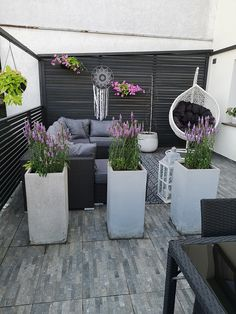 Terrace Design, Backyard Garden Design, Small Garden Design, Front Door Planters, Backyard Makeover, Outside Living, Back Patio, Outdoor Furniture Sets, Outdoor Decor
