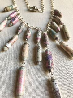 CIJ Minimal necklace made with paper beads n shades from cream to light pink to violet, gift for her, handcrafted jewelry - €16.20 EUR