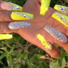 Pinterest @. Neon Yellow Nails, Yellow Nails Design, Yellow Nail Art, Neon Nails, Holographic Nails, Bling Acrylic Nails, Rhinestone Nails, Bling Nails, Swag Nails