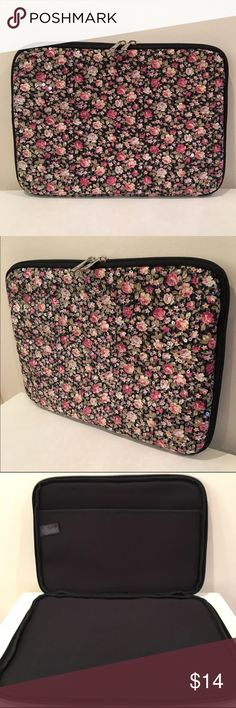 """Fashionista Laptop Case *NEW* Floral Sequin Padded Laptop Case by FOREVER 21  DETAILS: - Fully padded throughout for protection - Semi-stretch fabrication - Allover floral pattern topped w/ iridescent sequins - Smooth interior lining - Interior side pocket/compartment on for documents or tablet - Dual zipper closure w/ polished silver metal pull tabs   APPROX. SIZE  (inches):  14.75""""  x  11.75""""  x  1.5""""  MATERIAL: - Shell: 100% Cotton. - Lining: 100% Polyester. Forever 21 Accessories Laptop…"""