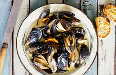 The Port Phillip Mussel Festival will be hitting South Melbourne Market this March, aiming to shellbrate local produce with live jazz music, entertainment, and some mighty tasty mussels!