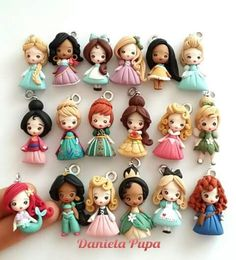 Polymer clay doll pendants - FImo DIY, polymer clay tutorials - Polymer clay doll pendant for necklace is the best way to stend out! There are many face molds o - Fimo Disney, Polymer Clay Disney, Polymer Clay Kunst, Polymer Clay Figures, Cute Polymer Clay, Cute Clay, Polymer Clay Dolls, Polymer Clay Charms, Polymer Clay Projects