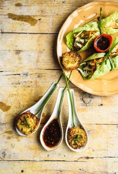 Vietnamese lettuce wraps (with fish)