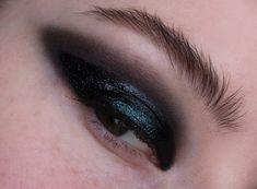 Holographic Smokey Eye Makeup