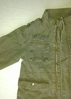 Military Jacket, Jackets, Fashion, Down Jackets, Moda, Army Fatigue Jacket, Military Field Jacket, Fashion Styles, Jacket