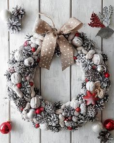 Wreaths are a classic Christmas tradition and they're great fun to make! Here's a list of over 80 beautiful Christmas ideas. Christmas Advent Wreath, Christmas Door Decorations, Christmas Centerpieces, Holiday Wreaths, Christmas Crafts, Winter Christmas, Christmas Candles, Holiday Gifts, Christmas Traditions