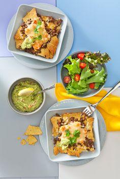 Gratinoitu nachovuoka sopii sauna- tai vaikkapa perjantai-illan juhlistajksi. #nachos #food Healthy Dessert Recipes, Paleo Recipes, Cooking Recipes, Healthy Meats, Paleo Meal Plan, Can I Eat, Diet Reviews, Diet Food List, Fat Burning Foods