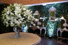 Casamento clássico: Thais & Marcos - Inesquecível Casamento Wedding Reception Decorations, Table Decorations, Classic, Home Decor, Classic Wedding Decor, Weddings, Wedding, Future, Derby