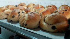 Σταφιδόψωμα αφράτα !!! ~ ΜΑΓΕΙΡΙΚΗ ΚΑΙ ΣΥΝΤΑΓΕΣ Sweet Pastries, Sweetest Day, Bread Rolls, Bagel, Biscotti, Doughnut, Sweets, Snacks, Vegan